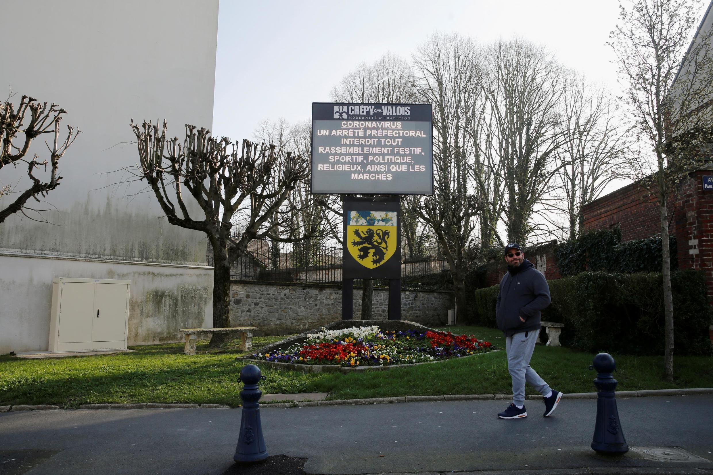 Thành phố Crépy-en-Valois- vùng Oise, Pháp, vắng bóng người vì dịch Covid-19. Ảnh ngày 07/03/2020.