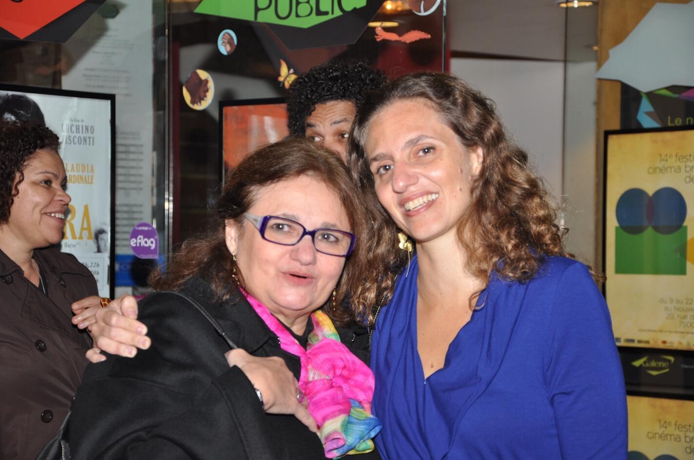 A psicóloga Paloma e a cineasta Cecília Amado, filha e neta de Jorge Amado,  na abertura do Festival do Cinema Brasileiro em Paris