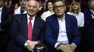 Le président par intérim de l'AIBA Gafour Rakhimov (droite) à côté du président de la Confédération Européenne de Boxe (EUBC) Franco Falcinelli lors d'un événement de boxe à Sotchi, le 3 février 2018.
