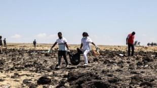 埃塞尔比亚航空客机波音737客机在距首都约45公里的比绍夫图附近坠毁,击毁人亡,157人全部遇难    2019年3月10日