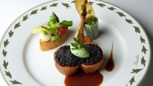 Nhờ khởi xướng phong trào Nouvelle Cuisine mà Paul Bocuse lên ngôi Giáo hoàng Ẩm thực (DR)