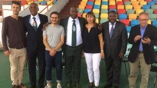 L'équipe de Radio foot et ses invités au Palais des sports de Treichville, à Abidjan.
