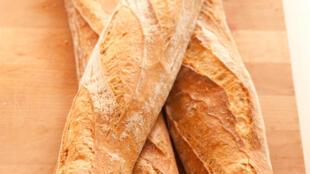 法式长棍面包是法国人一日三餐离不开的主食
