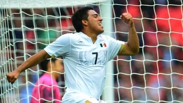 Javier Cortes mchezaji wa timu ya taifa ya Olympic ya Mexico akishangilia baada ya kuifungia timu yake goli la ushindi dhidi ya Japan