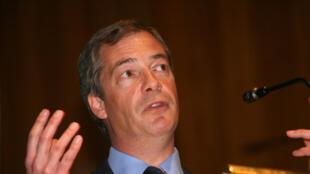 """Niguel Farage, líder del UKIP, saludó """"un cambio de dirección en la  política británica""""."""