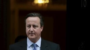 Le Premier ministre britannique devant sa résidence de Downing Street, le 2 décembre 2015.