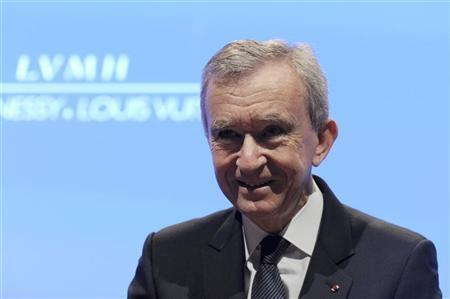 លោក Bernard Arnault ប្រធានក្រមហ៊ុន LVMH (អិលវី) អ្នកមានជាងគេបំផុតរបស់បារាំង