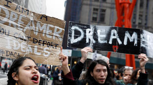 Des militants et des bénéficiaires du DACA au départ de la «Marche pour rester à la maison». Une marche de cinq jours de 400 kilomètres, entre New York à Washington DC, pour demander que le Congrès adopte un «Clean» Dream Act, à Manhattan, New York.