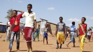 Des réfugiés érythréens dans le camp de Mai-Aini, au nord-ouest de l'Ethiopie, 17 novembre 2013.