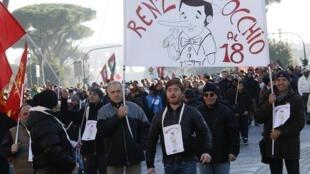 Il y a une cinquantaine de manifestations dans la journée avec 40 000 participants à Rome, le 12 décembre 2014.