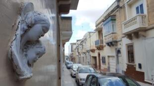 Dans la très catholique Malte, l'avortement est toujours considéré comme un crime. Vierge à l'enfant dans une rue de La Valette.