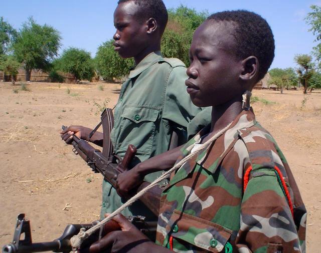 Deux enfants soldats en Centrafrique (sur ce cliché non daté).
