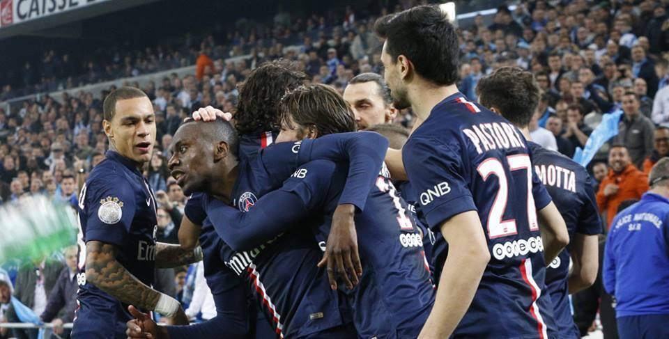 Jogadores do PSG comemoram a vitória no clássico de domingo, 5 de abril de 2015, contra o Olympique de Marselha.
