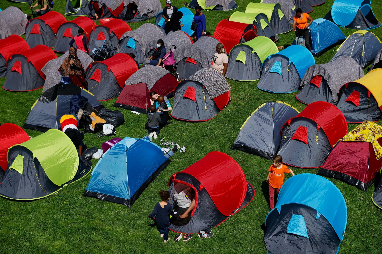 França - Migrantes - Migrants - Parc  André Citroën - Paris - Campement - Acampamento - Refugiados