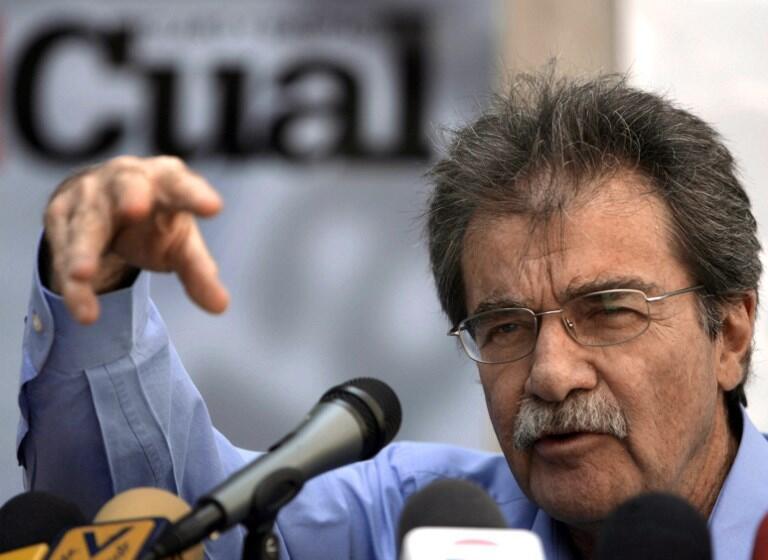 L'ancien ministre et journaliste très respecté Teodoro Petkoff, ici lors d'une conférence de presse à Caracas, le 14 février 2007