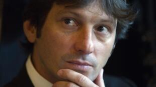 O brasileiro Leonardo, ex-diretor esportivo do Paris Saint-Germain, falou sobre sua saída do clube a um jornal francês; a foto de arquivo é de janeiro de 2012.
