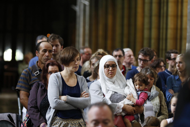 Certains musulmans ont répondu à l'appel du CFCM et se joint à la messe du dimanche