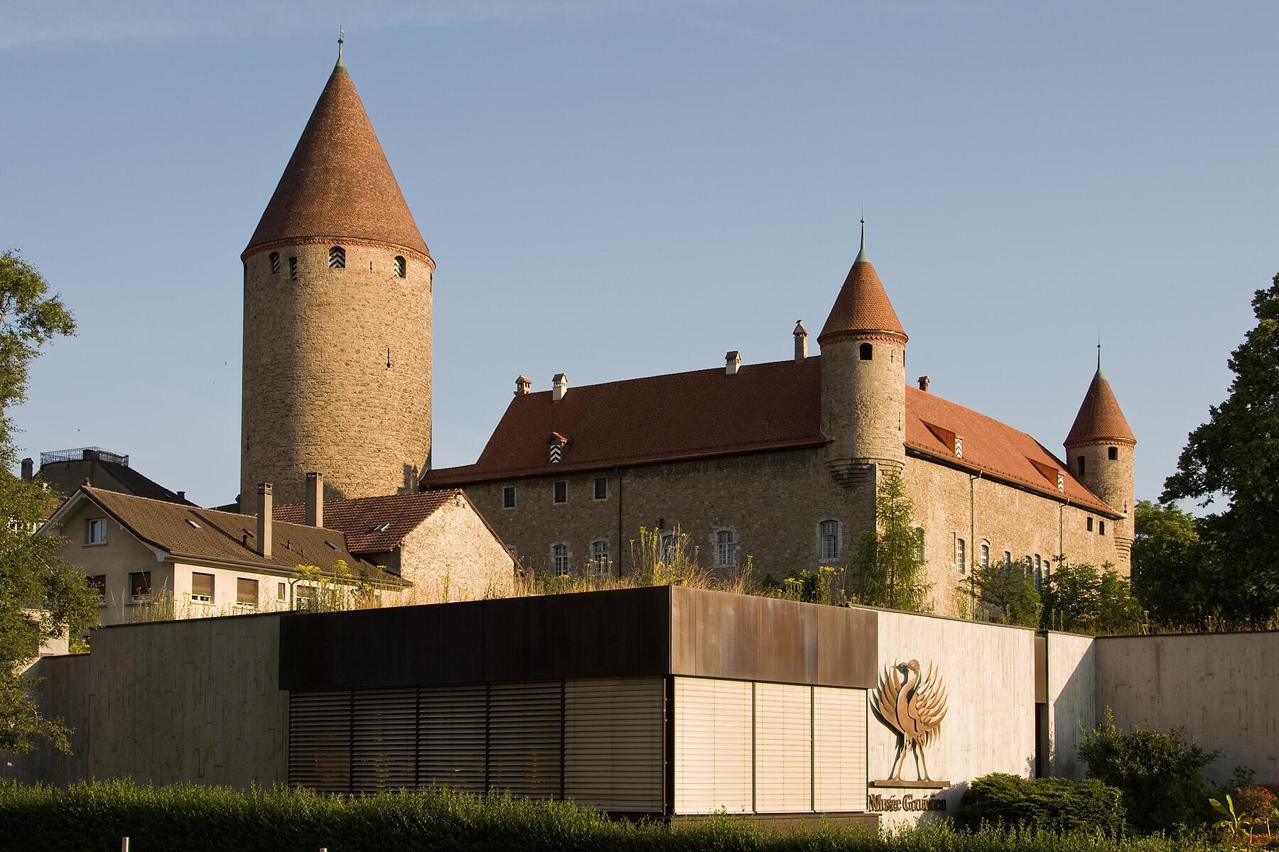 Vue extérieur du château de Bulle (Suisse).