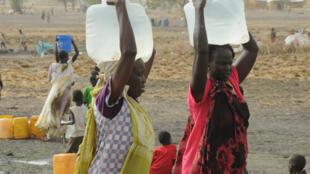 Des femmes déplacées sud-soudanaises dans un camp près de Kodok, dans le nord-est du pays, le17 avril 2017.