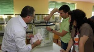 bureau-vote-legislatives-albanie