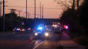 Polícia do Texas isolou área de Austin onde homem detonou uma bomba e se suicidou na madrugada desta quarta-feira (21).