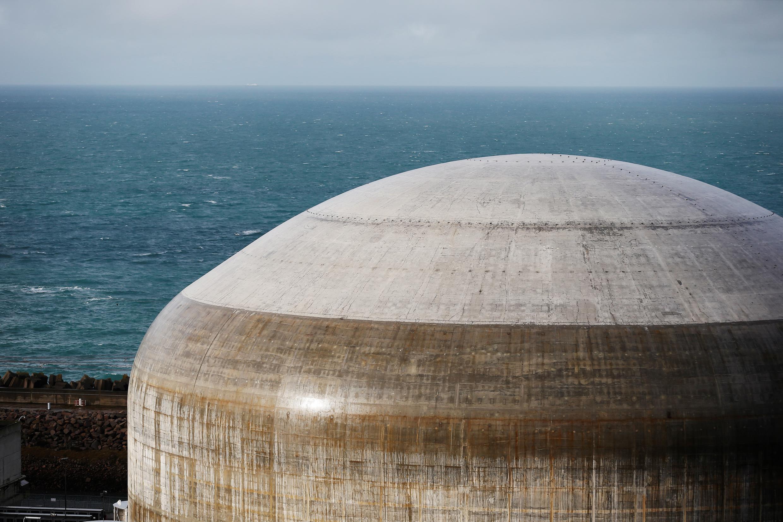 Строящийся реактор третьего поколения на АЭС Фламанвиль, Франция, ноябрь 2016 г.
