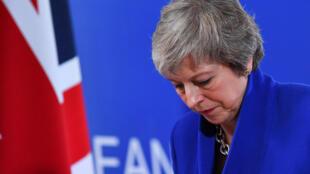 Премьер-министр Британии Тереза Мэй на европейском саммите в Брюсселе 25 ноября 2018.