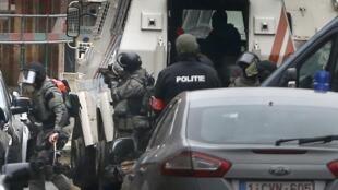 L'opération de police dans la commune de Molenbeek en Belgique le 18 mars 2016.