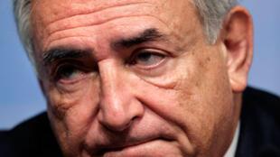 លោកដូមីនិក ស្រ្តូសកាន់ (Dominique Strauss-Kahn) អគ្គនាយកមូលនិធិរូបិយវត្ថុអន្តរជាតិ