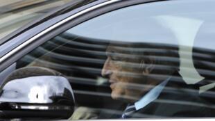 Libération revela telefonemas que aumentam as suspeitas de complô contra Strauss-Kahn