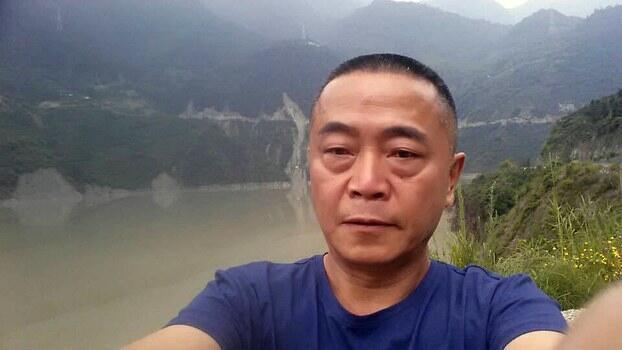 """这是中国民间维权网站""""六四天网""""创办人黄琦的资料照。他的母亲近日表示,担心患重病的儿子会死在狱中。"""