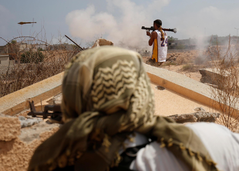 Бойцы, подконтрольные ливийскому правительству, атакуют город Сирт, ставший плацдармом ИГИЛ. 15.07.2016