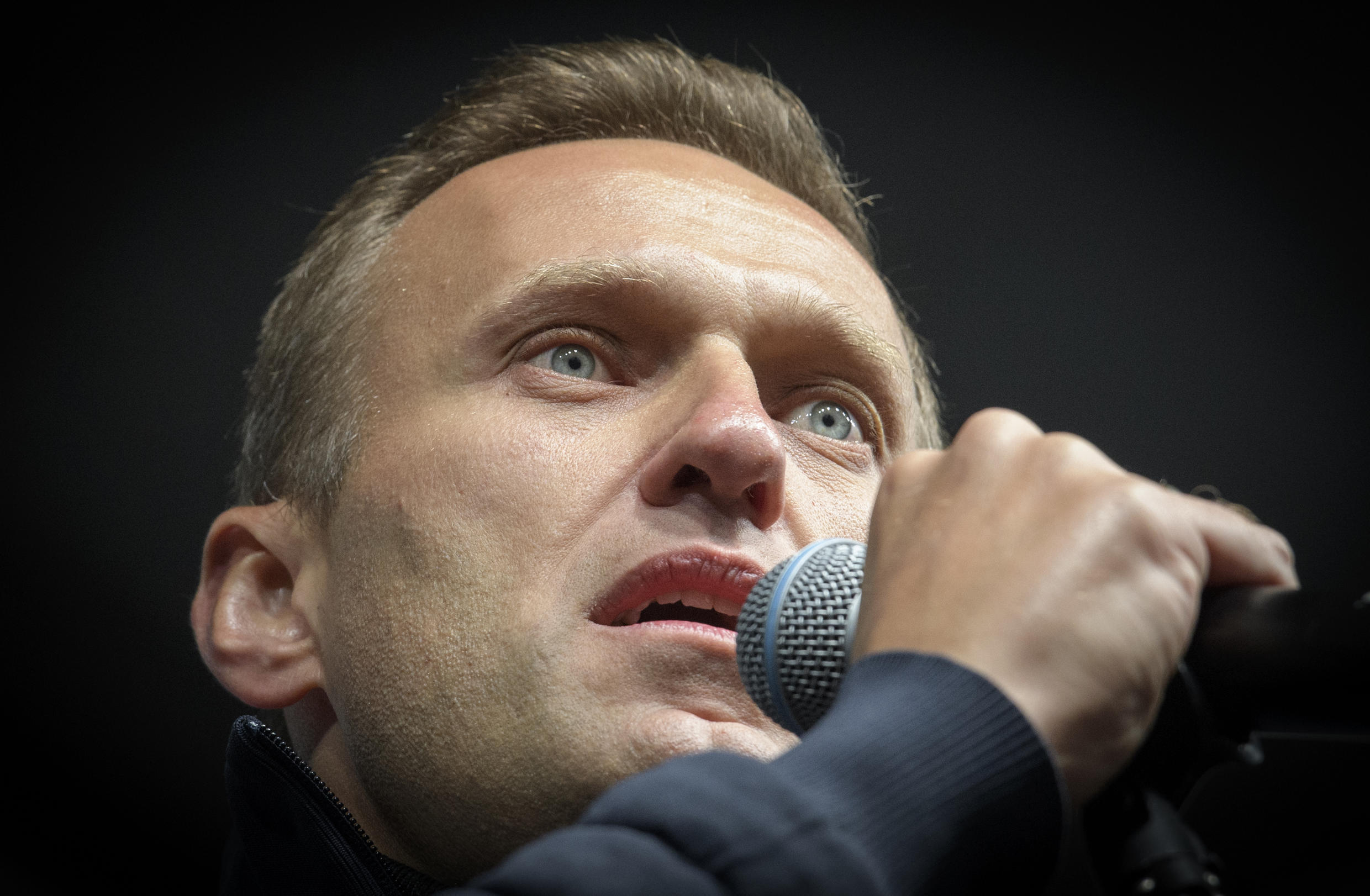 German doctors say their tests show Navalny was poisoned