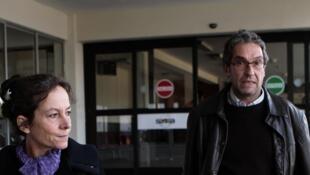Patrick Bellanger et sa femme Cécile à l'aéroport de La Paz, le 3 janvier 2014.