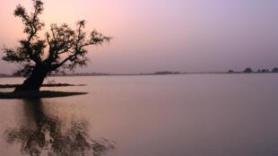 Crépuscule sur le lac Tchad, à Diffa, au Niger. (Photo d'illustration)