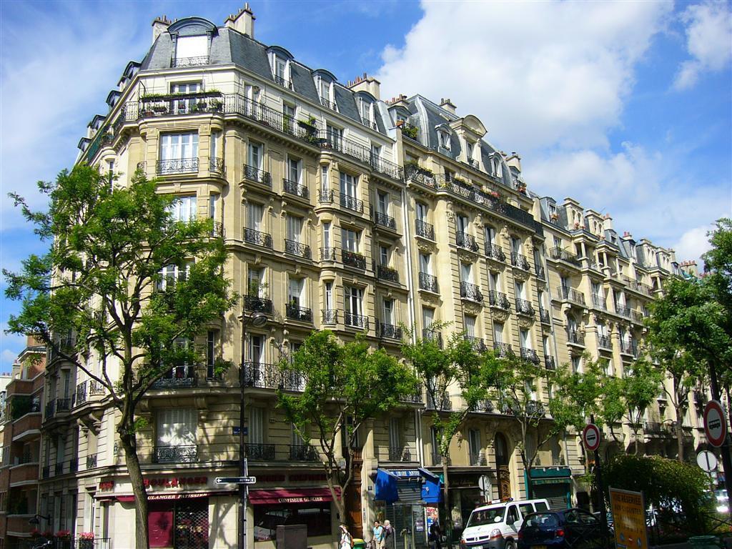 Os empréstimos a juros baratos pressionam os preços dos imóveis em Paris.