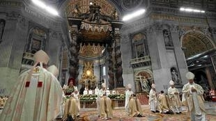 Đức giáo hoàng Phanxicô chủ trì buổi thánh lễ và tấn phong giám mục tại Nhà Thờ Thánh Phêrô ở Vatican, ngày 04/10/2019.