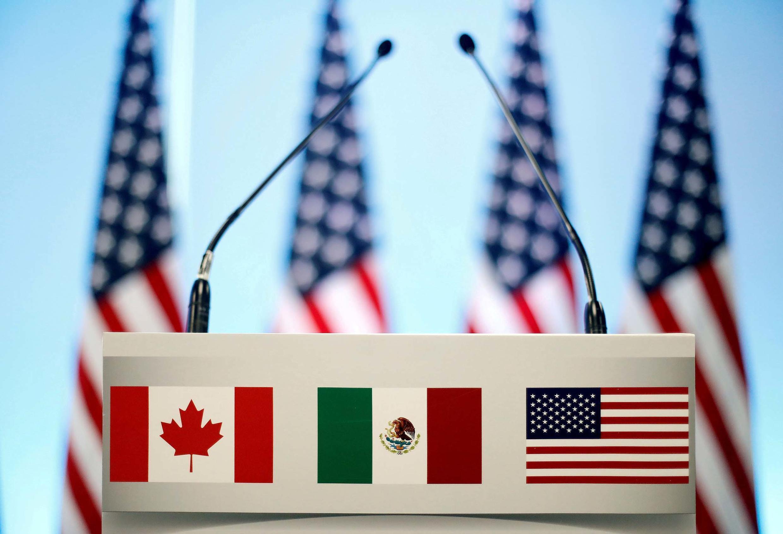 L'ALENA est remplacé par l'AEUMC, Accord États-Unis Mexique Canada.