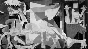 Guernica, bức họa nổi tiếng của Picasso, vẽ năm 1937, đã trở thành biểu tượng của sự khiếp hãi về cuộc nội chiến Tây Ban Nha và trận oanh kích vào xã Guernica xứ Basque.