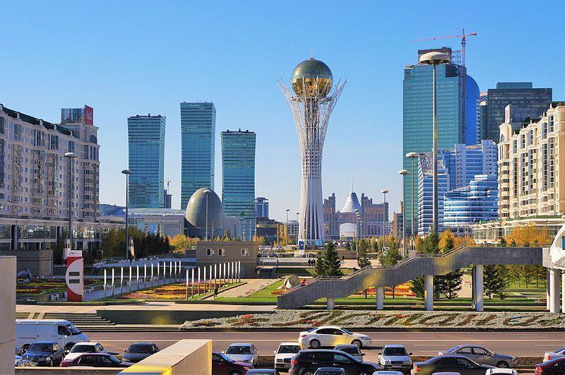 Новый глава Казахстана Касым-Жомарт Токаев предложил переименовать Астану вНур-Султан вчесть первого президента Назарбаева