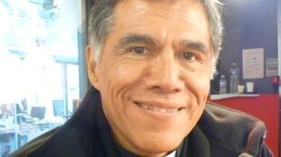 Monseñor Vizcarra, obispo de jaén, en los estudios de RFI en París.