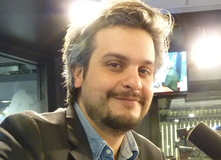 Nahuel Di Pierro en los estudios de RFI.