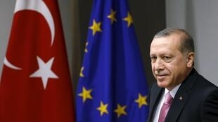 Presidente da Turquia, Recep Tayyip Erdogan, participa da reunião do Conselho da UE em Bruxelas, Bélgica 05 de outubro de 2015.