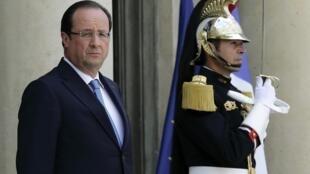 François Hollande sur le perron de l'Elysée, le 17 juillet 2013.