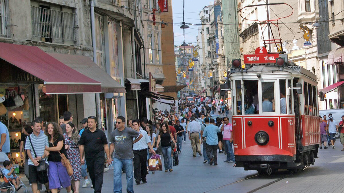 Le tramway rouge d'Istanbul.