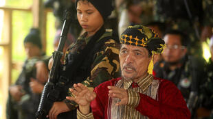 Le leader du mouvement séparatiste philippin MNLF, Nur Misuari, lors d'un entretien à Indanan, dans la province de Jolo, sur l'île de Mindanao.