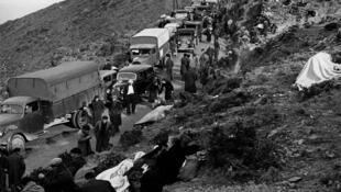 Những người ủng hộ phe Cộng Hòa Tây Ban Nha vượt đèo núi sang Pháp tị nạn năm 1939