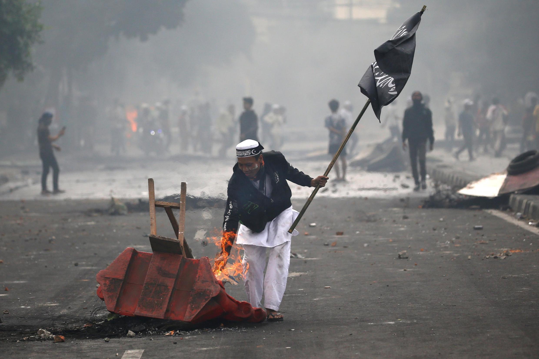 Des manifestants sont descendus dans les rues de Jakarta, le 22 mai 2019.