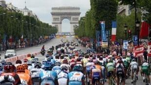 Arrivée du Tour de France sur les Champs-Elysées, 29 juillet 2007.