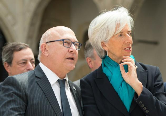 Waziri wa Fedha wa Ufaransa Michel Sapin (kushoto) na mkurugenzi mkuu wa IMF, Christine Lagarde, Mei 28, 2015 katika mji wa Dresden, Ujerumani.